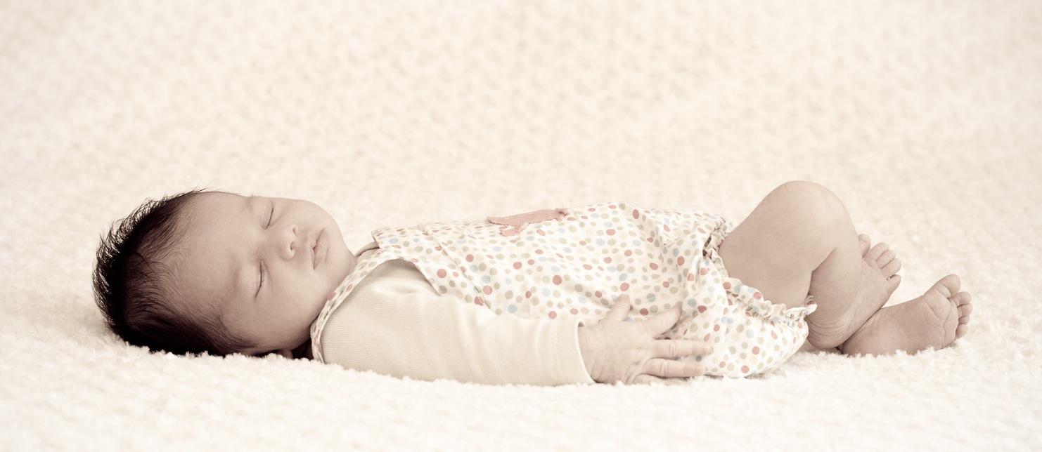Instants Photos - Photographe de Mariage, Bébé et Enfant dans les Yvelines 78 & Paris 75. - Photographe bébé nouveau né naissance 78 Yvelines 75 Paris - Instants Photos - Séance photo a domicile en intérieur