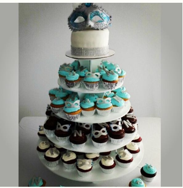 A Bakers Journey - Cake and cupcakes for masquerade themed quinceanera