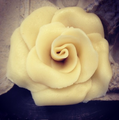 A Bakers Journey - My first marzipan rose