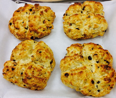 A Bakers Journey - Soda Bread with raisins and currants