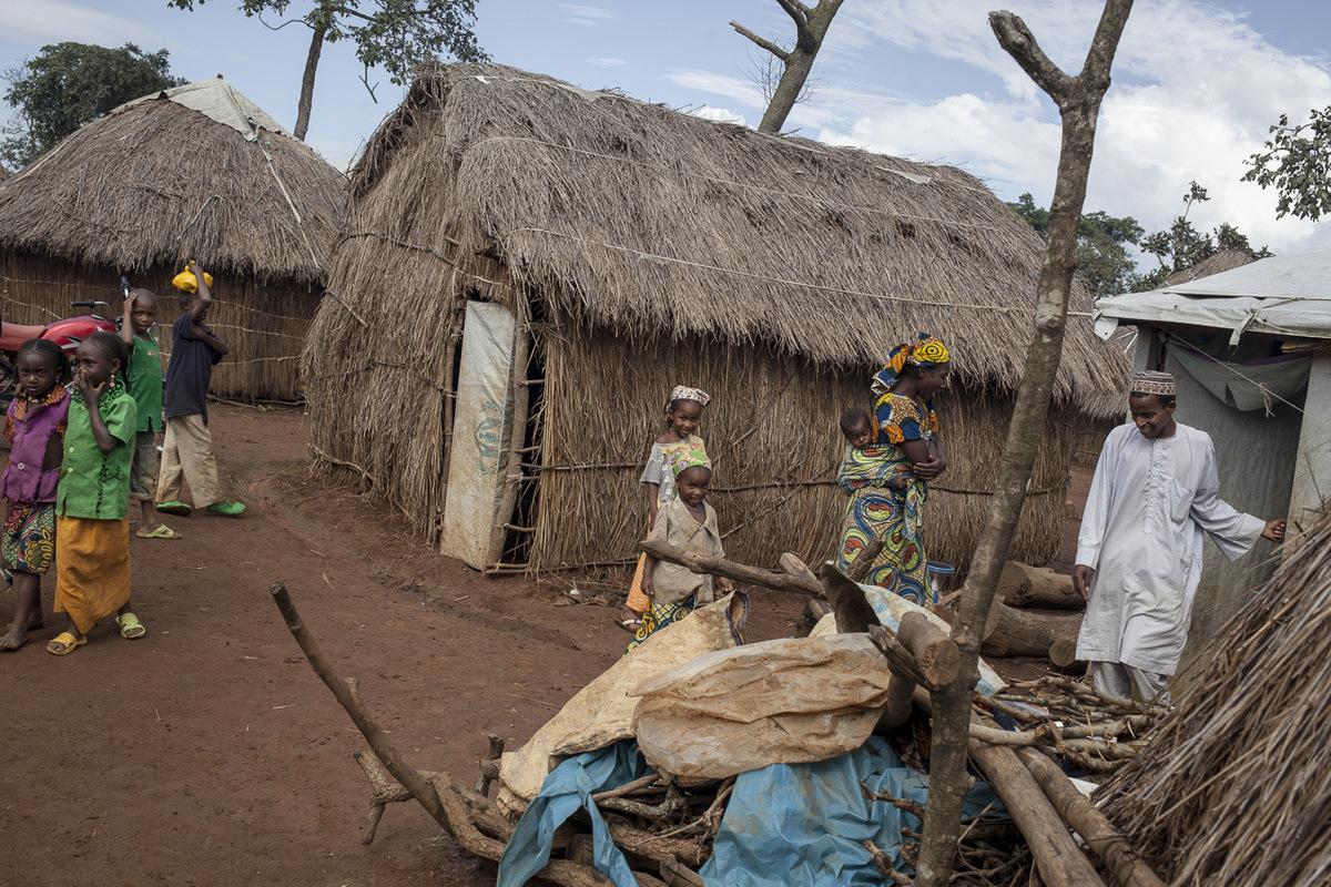 Adrienne Surprenant - Diaffarou Nana a une femme, et quatre enfants, avec lesquels il habite à Ngam depuis 2014.