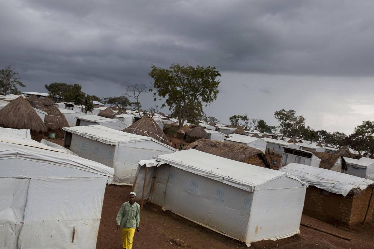Adrienne Surprenant - Ngam, Adamaoua, Cameroun. Ouvert le 14 juillet 2014, le site du HCR accueille 6 403 réfugiés centrafricains (mars 2016) alors que le village compte seulement 1 250 habitants.