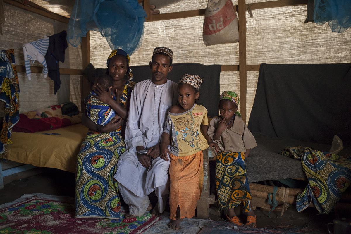 """Adrienne Surprenant - """"Nous sommes partis traumatisés de telle manière que pour dire que c'est tel ou tel jour, c'est difficile. Devant toi, on a tué ta famille, tes frères, tes soeurs... tu ne peux pas te souvenir de la date. La plupart de ma famille est partie, mais ceux qui sont encore en Centrafrique vivent dans les difficultés."""""""