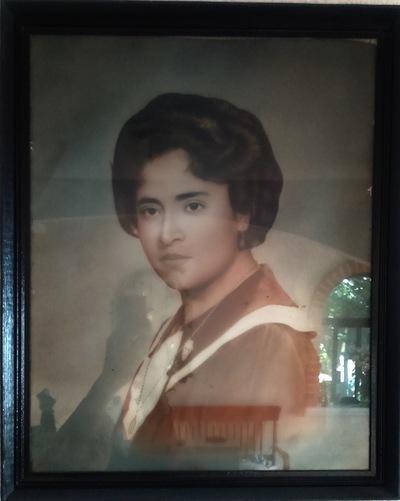 Elisa Lemus - Doña Quirina de joven, hija de Don Masi.