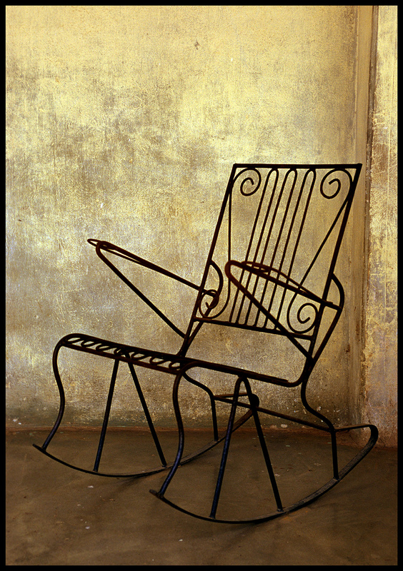 linda cartridge photographer and artist - Chair-7 C print Open Editions in 30x40 cm