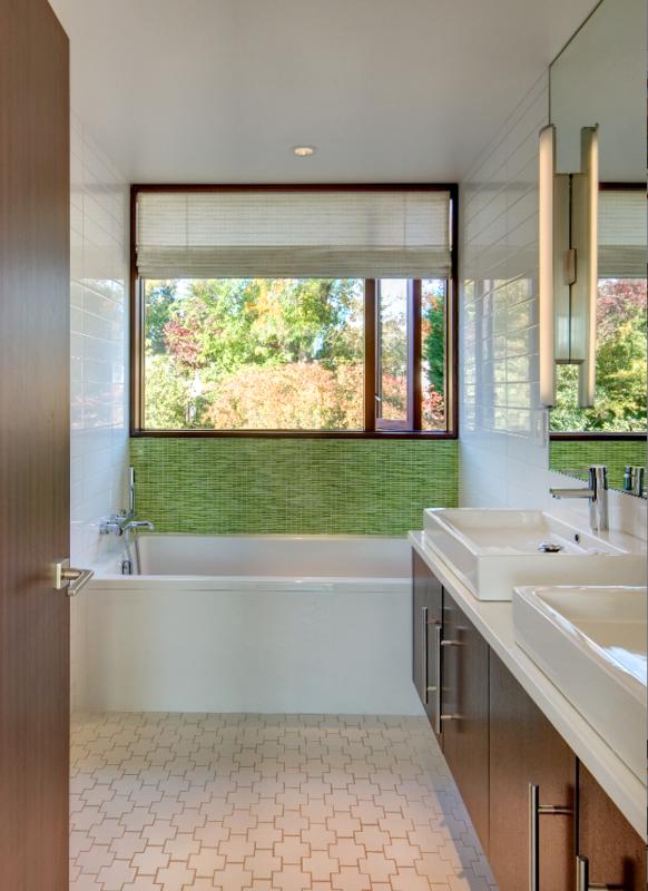 Holland Stephens Interiors - Upstairs bathroom
